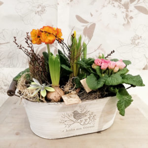 Bild einer Frühlingseinpflanzung aus der Blüten-Küche Olbernhau