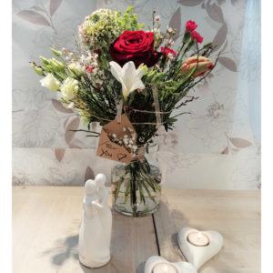 Bild eines Frühlingsstraußes zum Valentinstag, angefertigt von der Blüten-